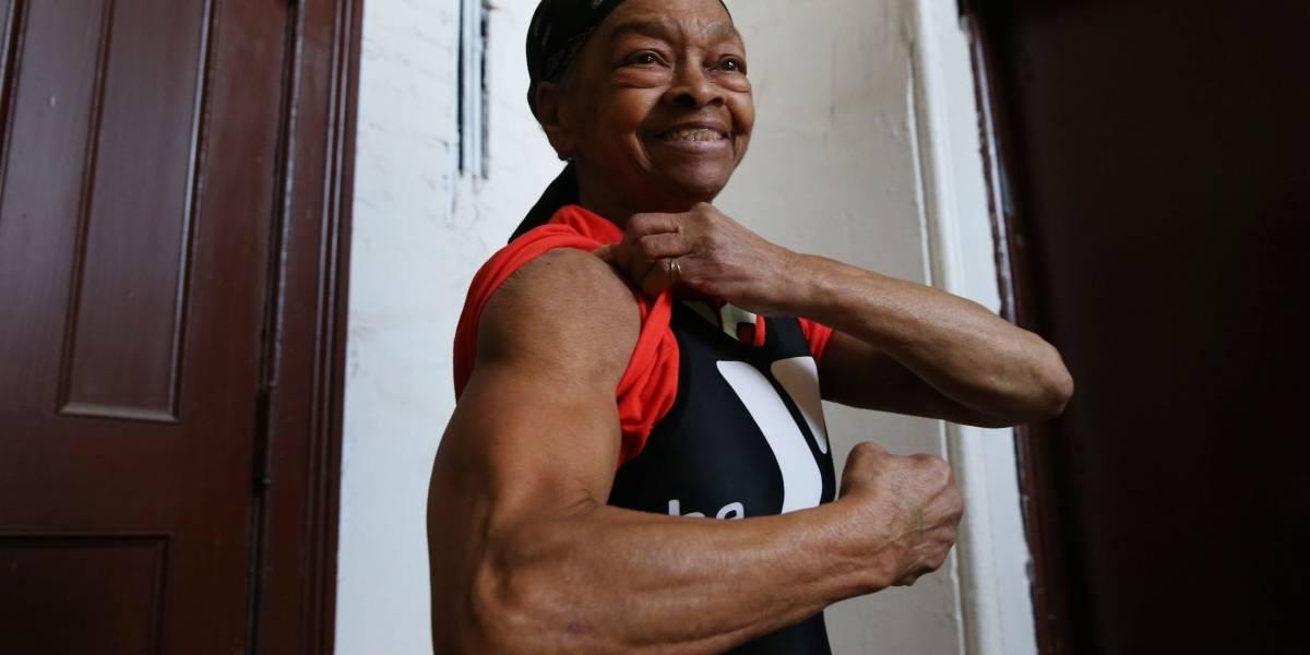 Fisiculturista de 82 anos nocauteia assaltante nos EUA
