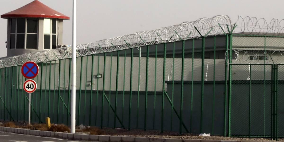 """""""Lavar los cerebros, purificar los corazones"""": documentos destapan horror de centros de detención en China"""