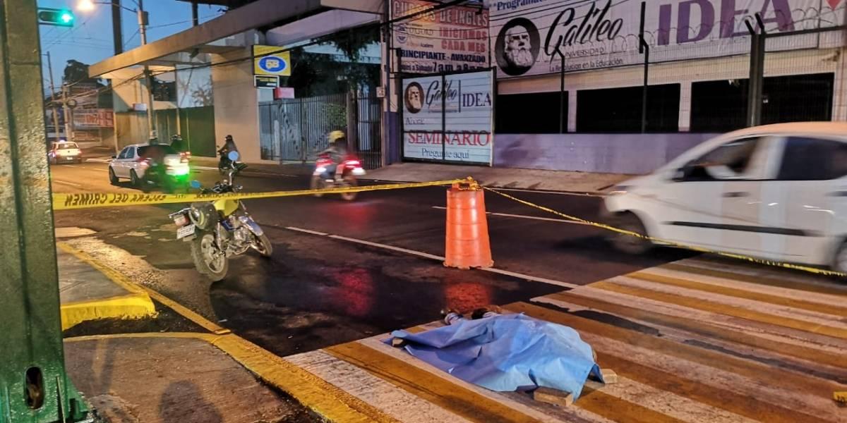 Matan a joven para robarle su motocicleta en la zona 12