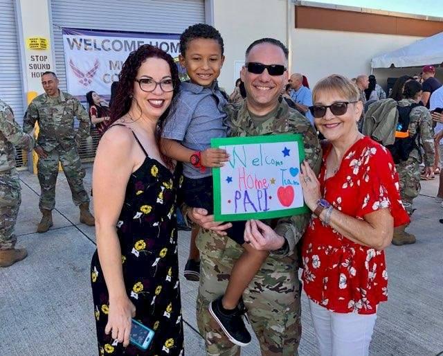 Regresan soldados a Puerto Rico