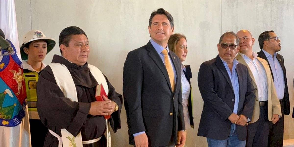 Municipalidad de Guatemala inaugura paso a desnivel en avenida Petapa