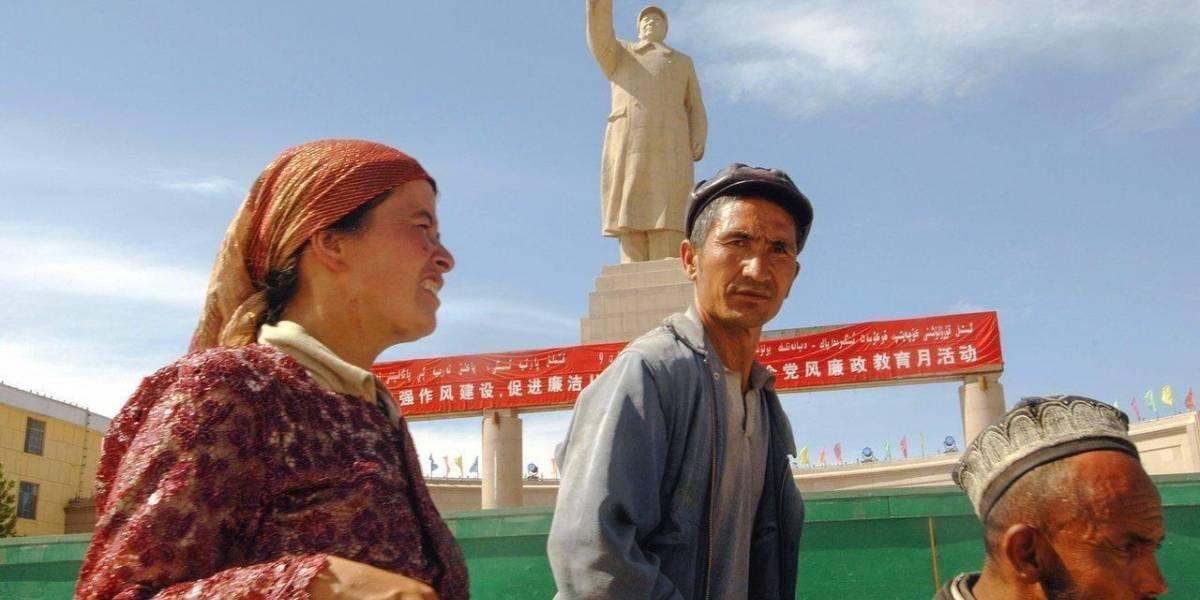 """""""Los cables secretos de China"""": Investigación destapa vigilancia y violación digital a etnia Uigur"""