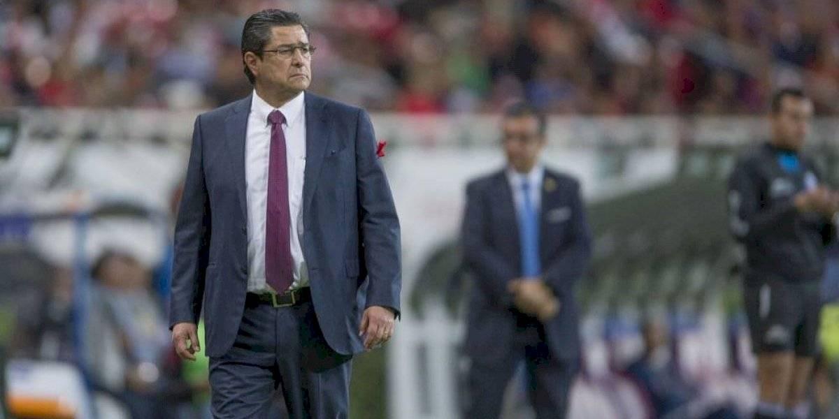 Luis Fernando Tena ve cercana la posibilidad de quedarse en Chivas