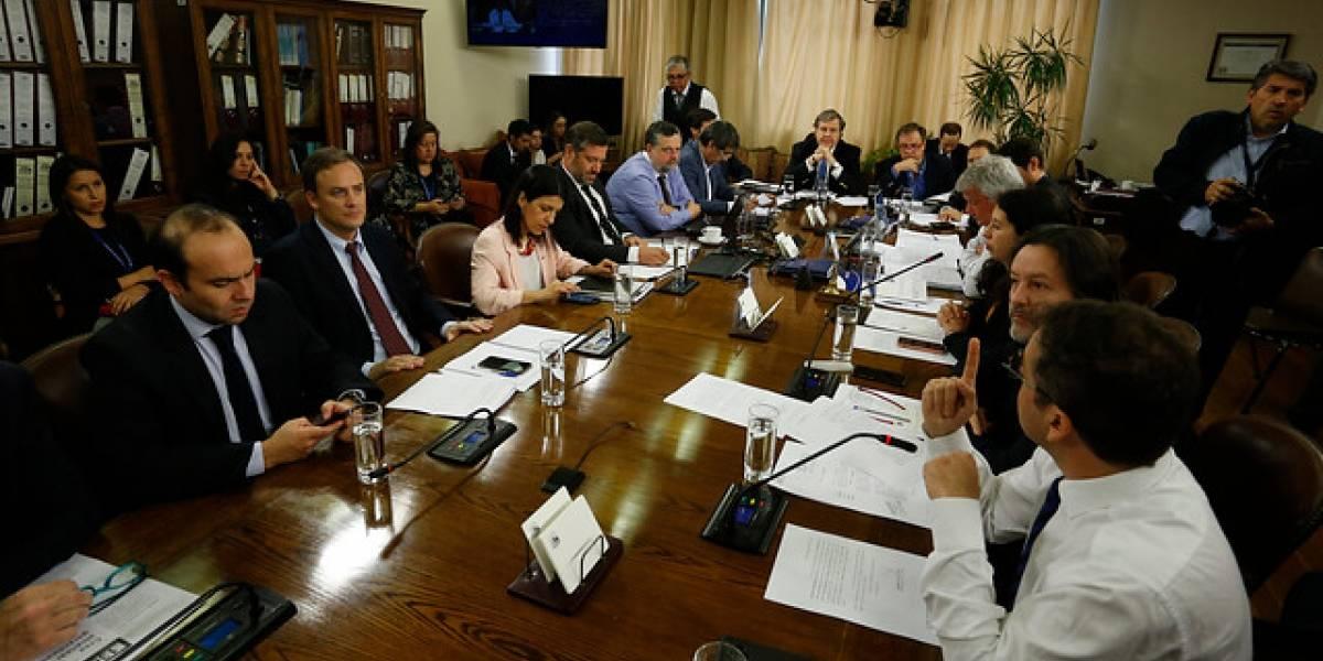 Diputados proponen sueldo mínimo de $435.536 para superar línea de la pobreza
