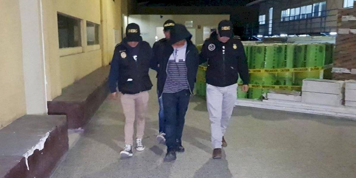 Capturan a presunto secuestrador y rescatan a mujer en la zona 8