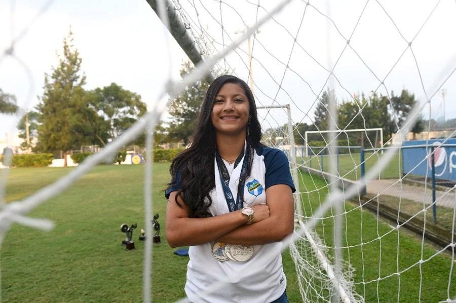 Futbolista guatemalteca Andrea Álvarez