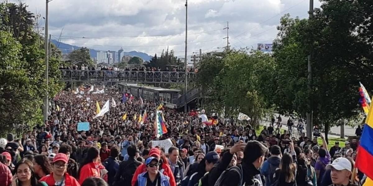 Multitudinarias movilizaciones avanzan en paz sin intervención del Esmad en Bogotá