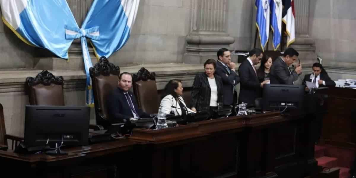 Legisladores esperan último momento para avalar el presupuesto