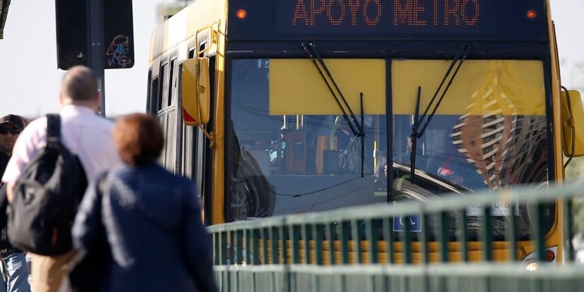 Servicio de buses en apoyo al Metro laborará hasta las 20 horas este jueves