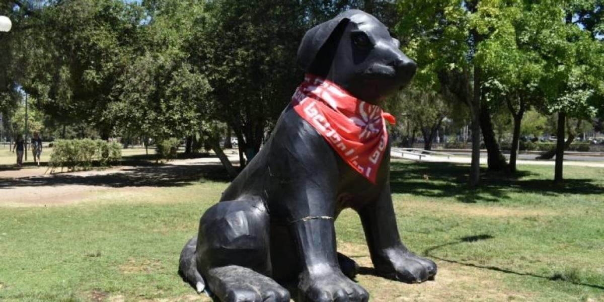 Estatua del Negro Matapacos en plaza de Providencia amanece quemada