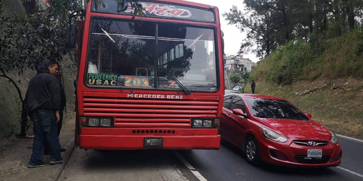 Piloto de bus ruta 203 es atacado a balazos en el Periférico