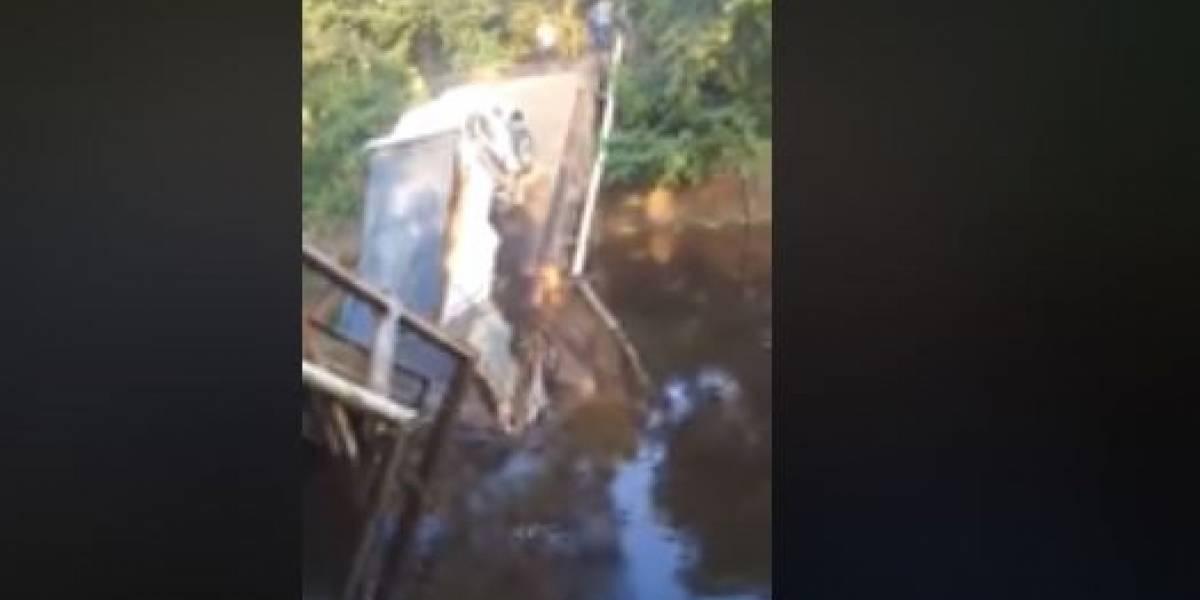 (VIDEO) Se cayó puente que comunica a dos municipios de Córdoba