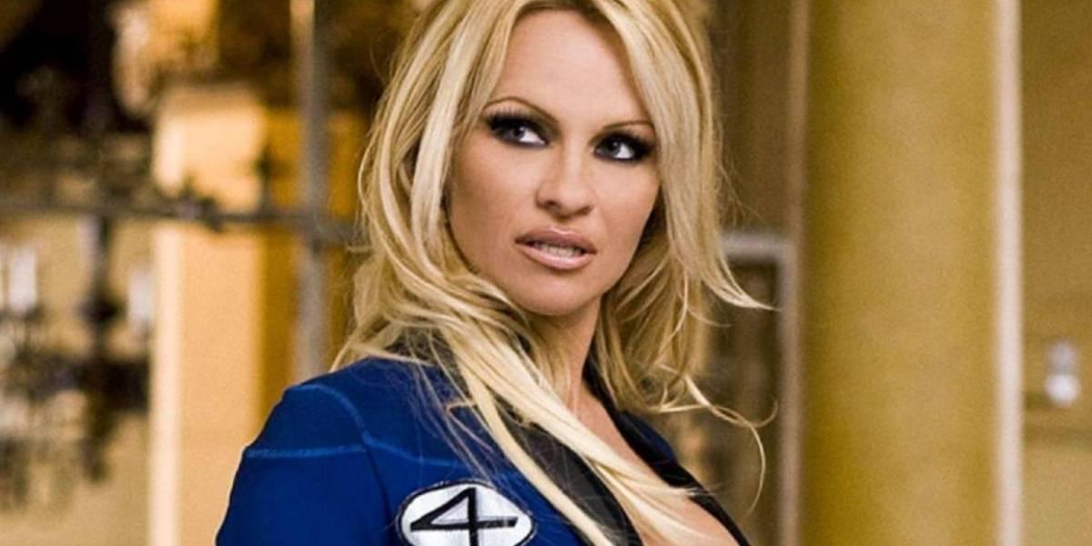 """VIDEO. Pamela Anderson recreó una sensual e icónica escena de """"Baywatch"""""""