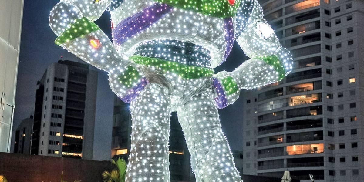 Decoração de Natal começa a tomar conta de São Paulo