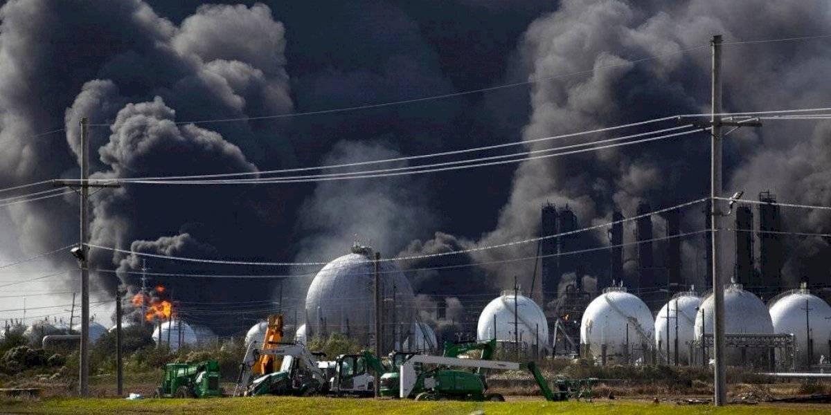 Monstruoso incendio de planta química en Texas provocó el desalojo de 50 mil personas