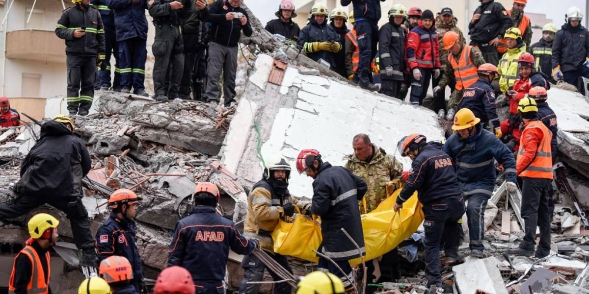 Aumenta a 40 el número de muertos por el terremoto en Albania