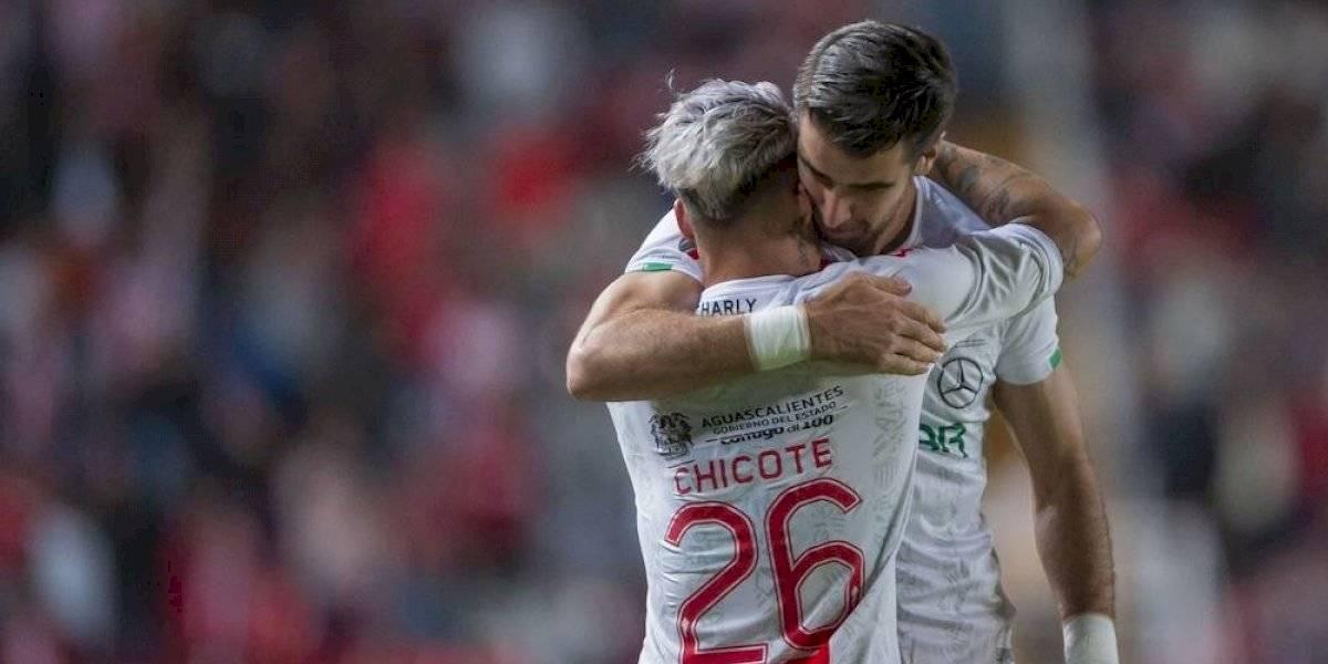 Necaxa se pone en la antesala de las semifinales al golear a Querétaro