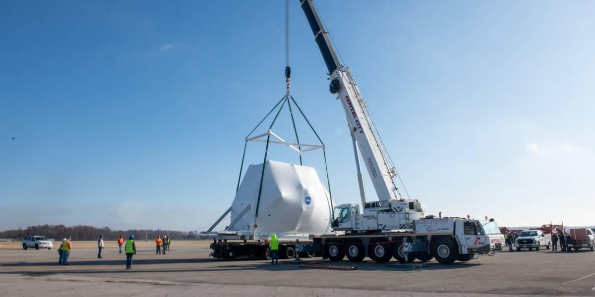 Nave espacial Orion chega à estação da NASA para testes