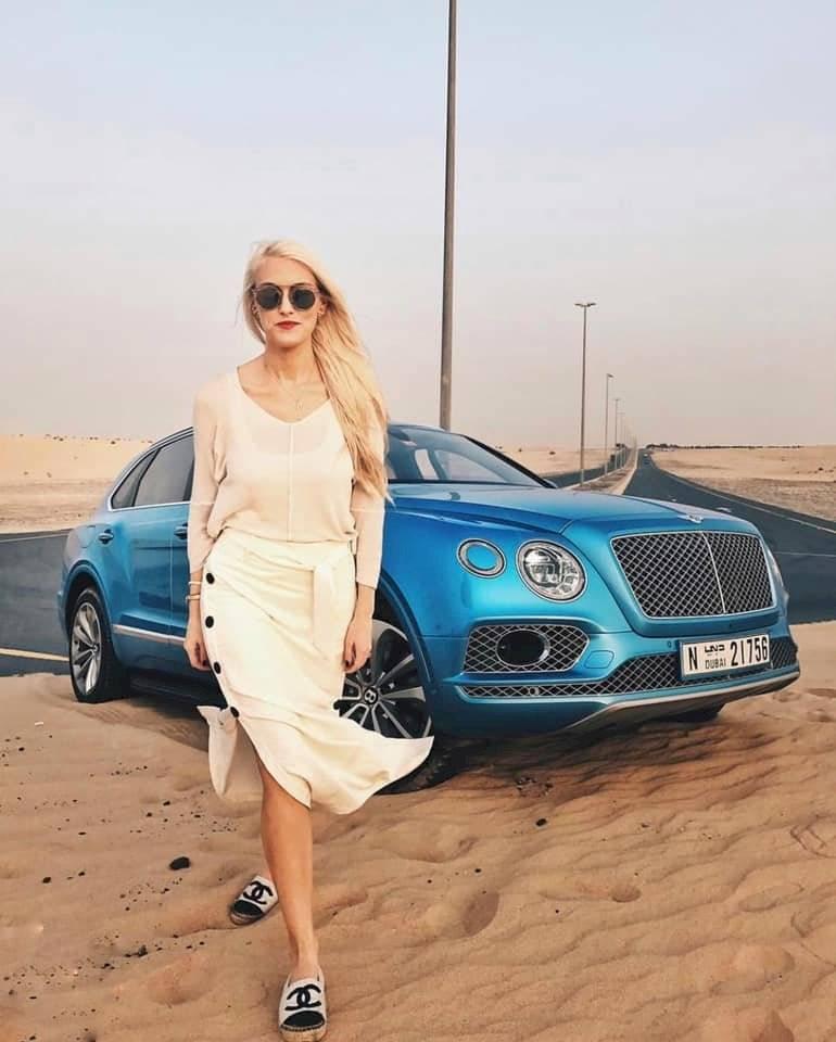 Supercar Blondie