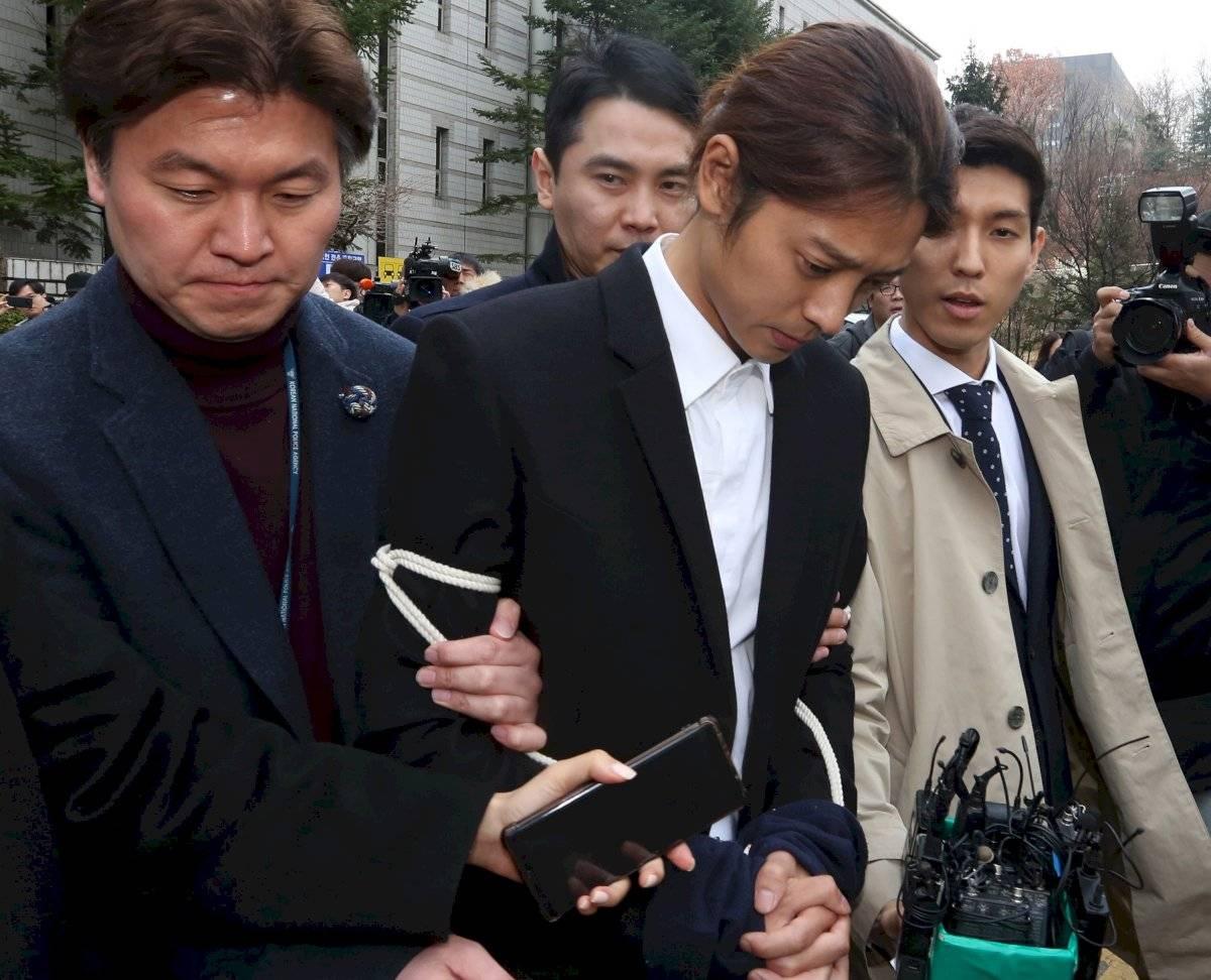 Dos estrellas del K-pop fueron condenados a prisión por violaciones en grupo