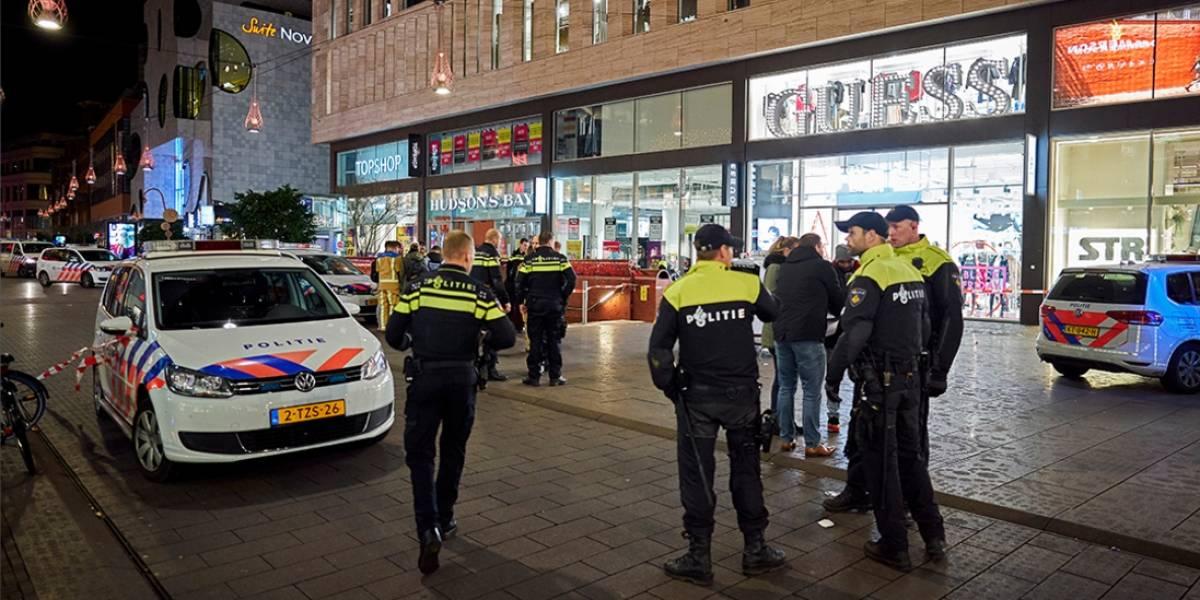 Homem esfaqueia diversas pessoas em centro comercial da Holanda