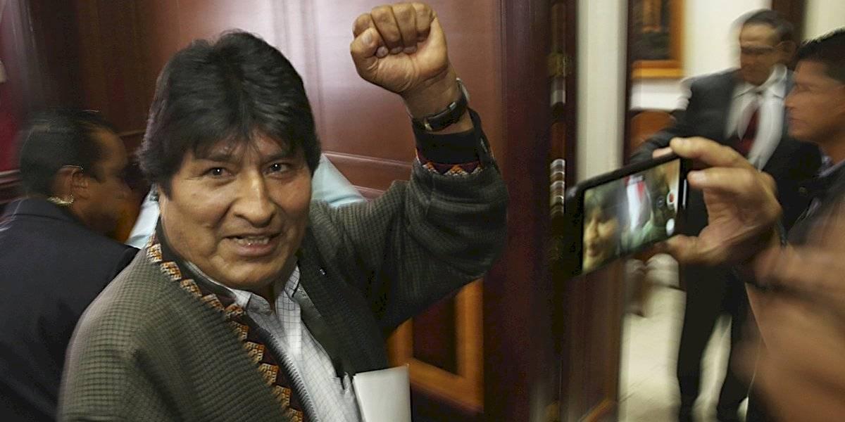 Evo Morales llega a Argentina como refugiado político