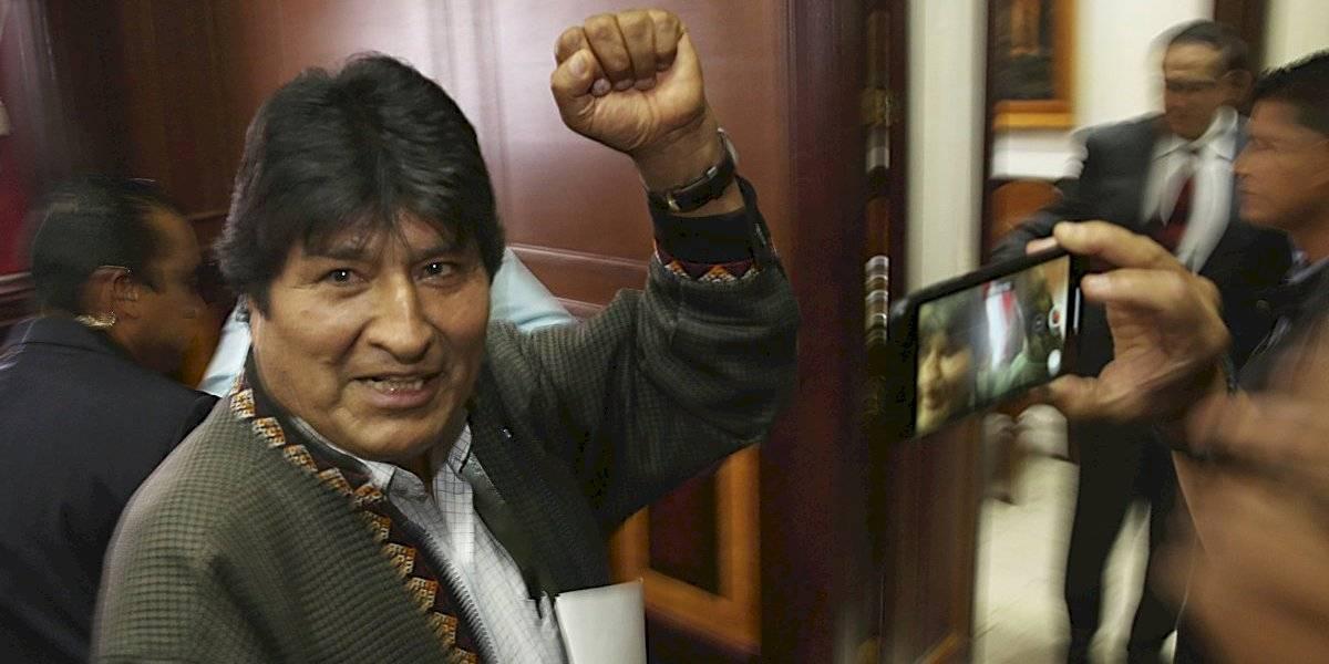 Evo Morales intenta unir a su partido desde Argentina