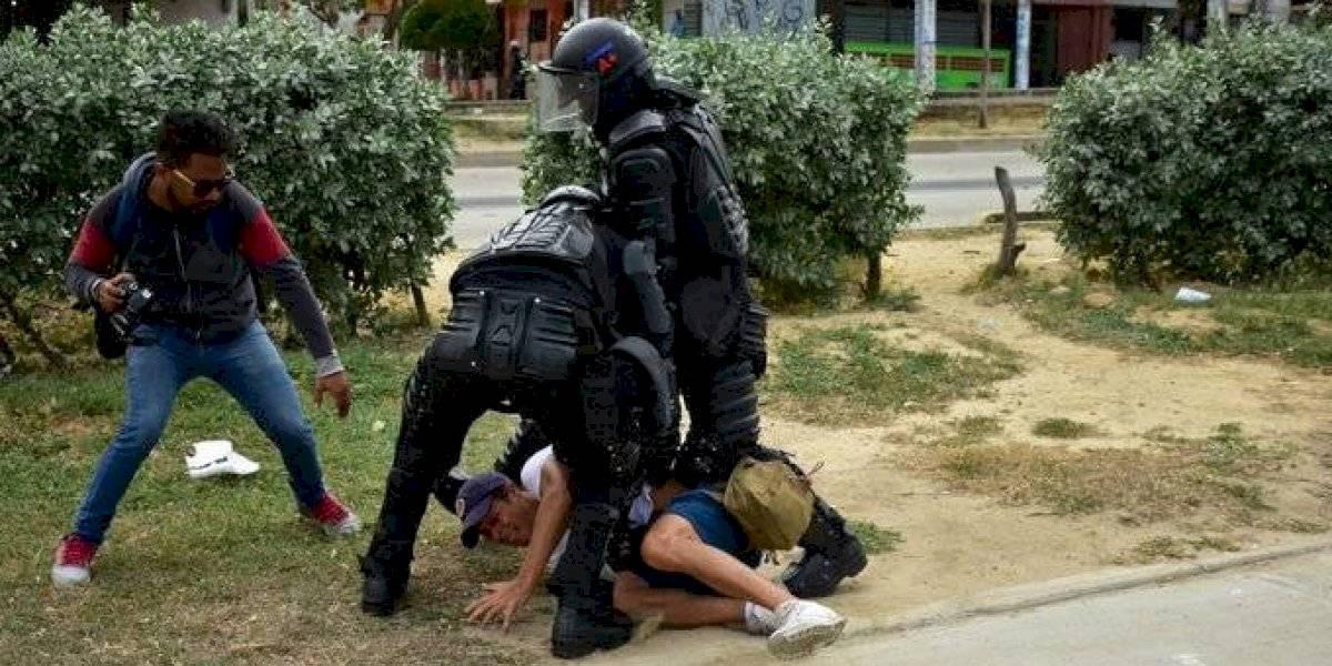 Quedan libres periodistas que fueron detenidos por el Esmad en protestas de Barranquilla