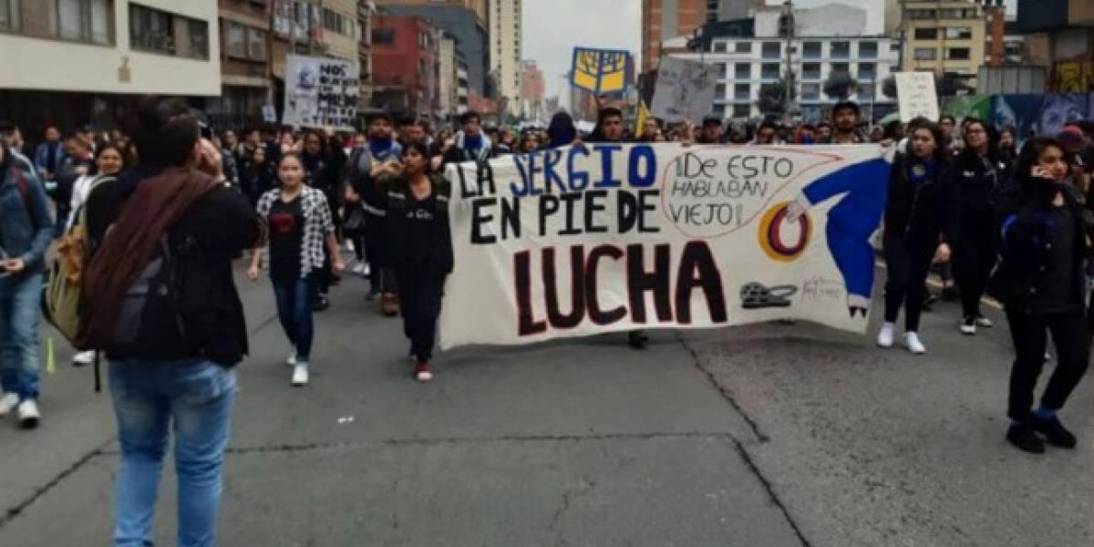 Estudiantes de la Sergio Arboleda denuncian agresiones y censura de funcionarios por apoyar el paro, universidad lo desmiente