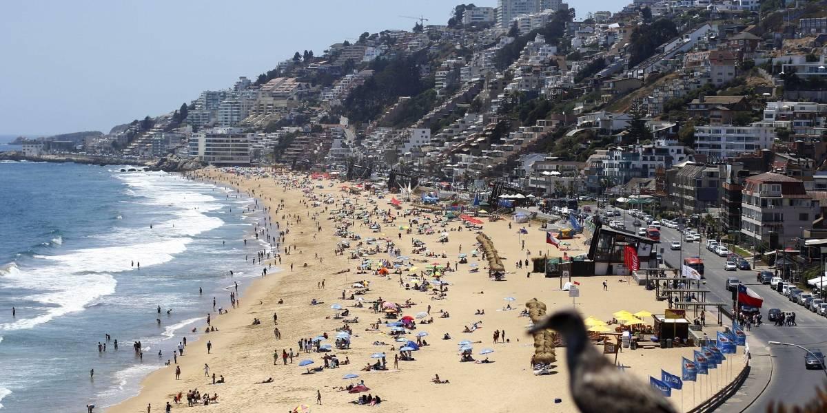Arriendos de verano caen 40% producto del estallido social
