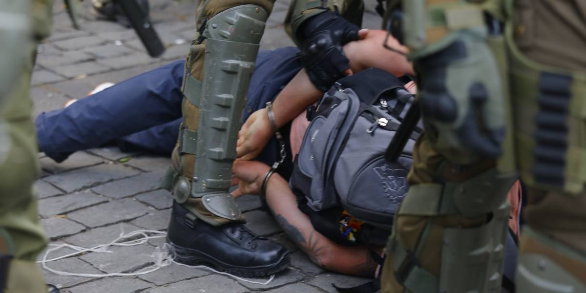Nuevo cómputo: 30 mil personas han sido detenidas desde el 18 de octubre y se concentran en la Región de Valparaíso, Biobío y Metropolitana