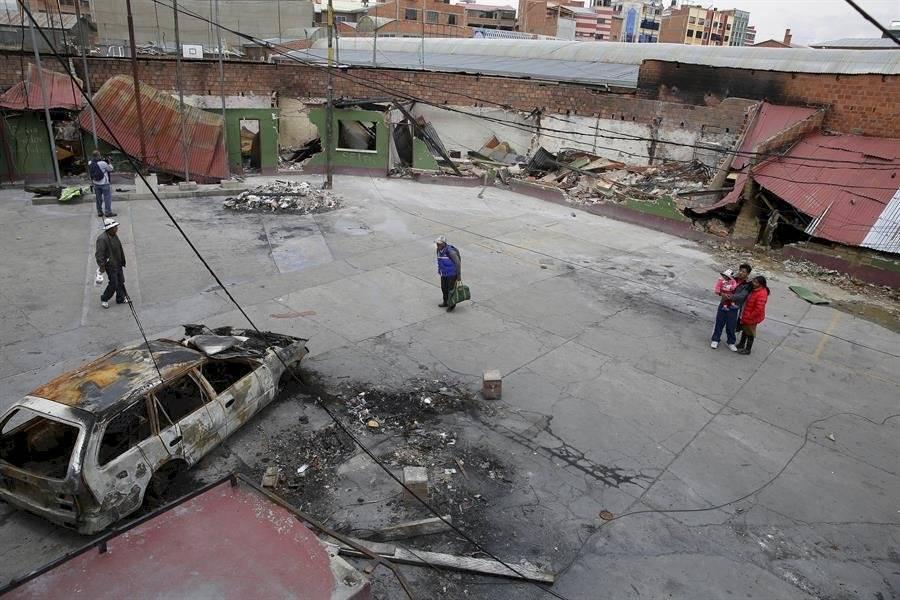 Registro este viernes de las afectaciones ocasionadas durante las resientes protestas sociales, en la sede del Organismo Operativo de Tránsito, en El Alto EFE