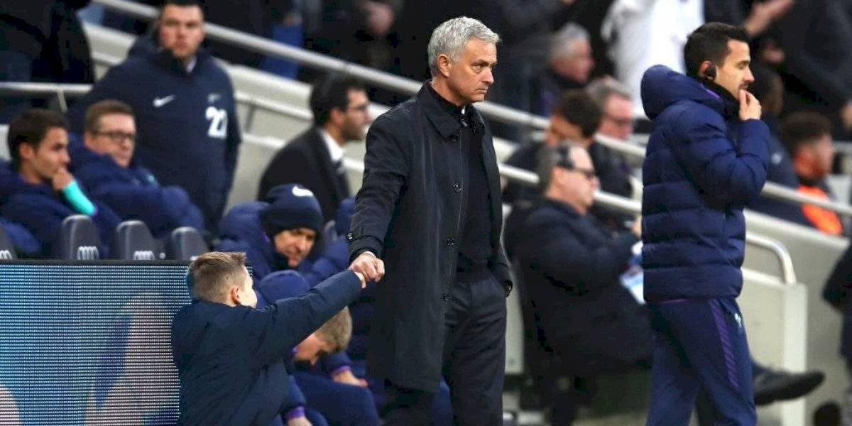 Mourinho invita a comer a recogebalones que ayudó en remontada del Tottenham
