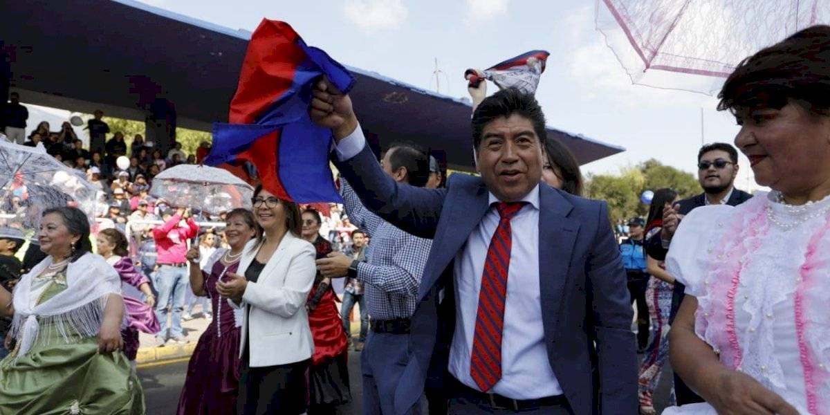 Fiestas de Quito: el bailecito que se pegó Jorge Yunda en el desfile de la confraternidad