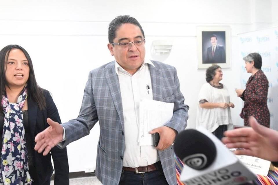 El PDH, Jordán Rodas, señala al presidente Jimmy Morales como violador de derechos humanos. Foto: Omar Solís