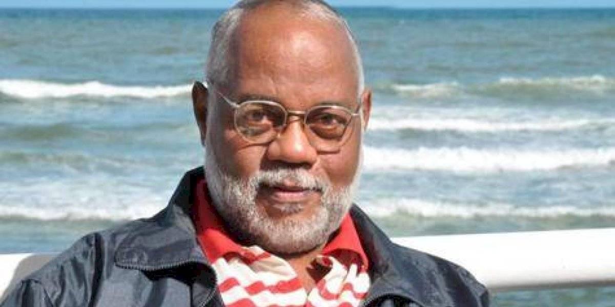 Cultura lamenta fallecimiento del poeta dominicano Alexis Gómez Rosa