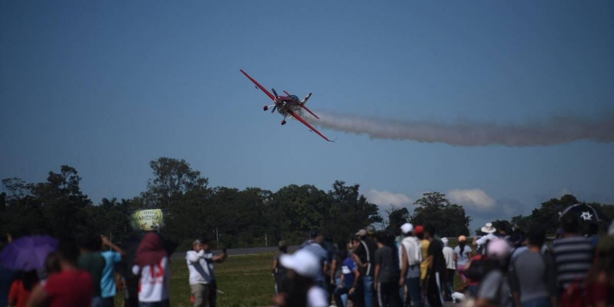EN IMÁGENES.Guatemaltecos disfrutan de show aéreo por 98 aniversario de la FAG