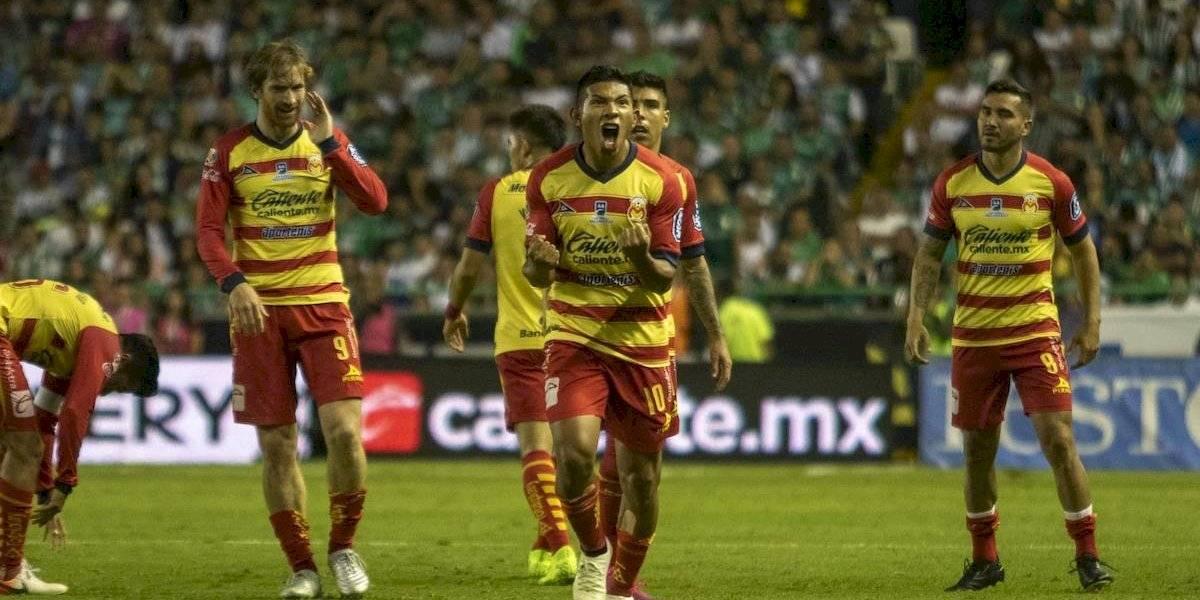 Monarcas vuela a las semifinales tras domar al León