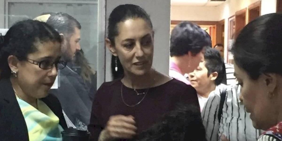 Da Sheinbaum ayuda a dos mujeres en el MP