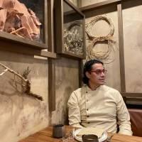 Carlos Gaytán regresa al circuito restaurantero de Chicago con la apertura oficial de su restaurante Tzuco.
