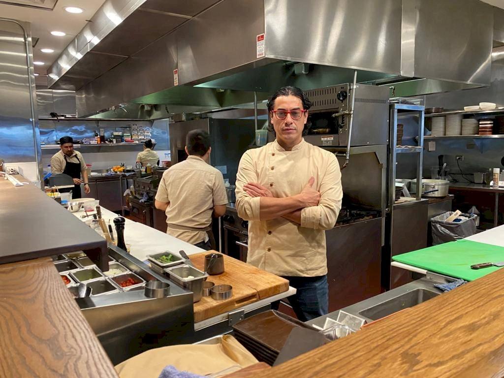 Carlos Gaytán regresa al circuito restaurantero de Chicago con la apertura oficial de su restaurante Tzuco. Foto: Publimetro