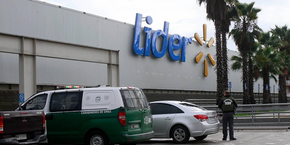 Asalto a supermercado Líder en Maipú deja al menos tres personas heridas