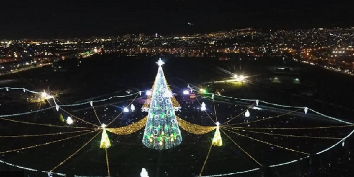 La Navidad se prendió en Bogotá con gigantesco árbol en el parque El Tunal