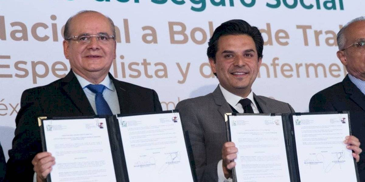IMSS abre bolsa de trabajo de 8 mil 704 plazas