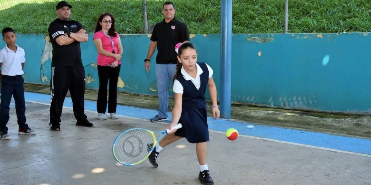 Educación busca fomentar el tenis en las escuelas del país