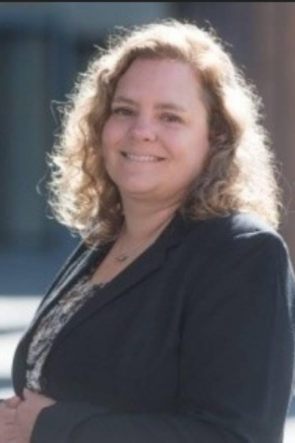Gretchen E. Ely, Experta en salud reproductiva de la facultad de la Universidad de Búfalo, con sede en Nueva York.