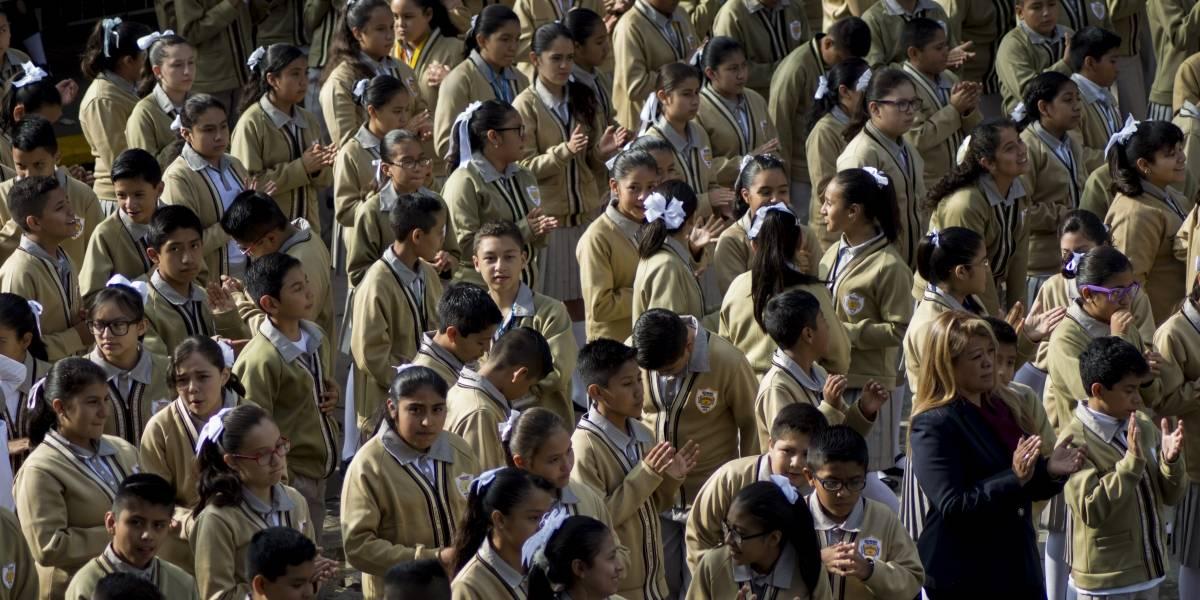 'No soy objetivo', dice AMLO sobre políticas educativas de EPN y Calderón