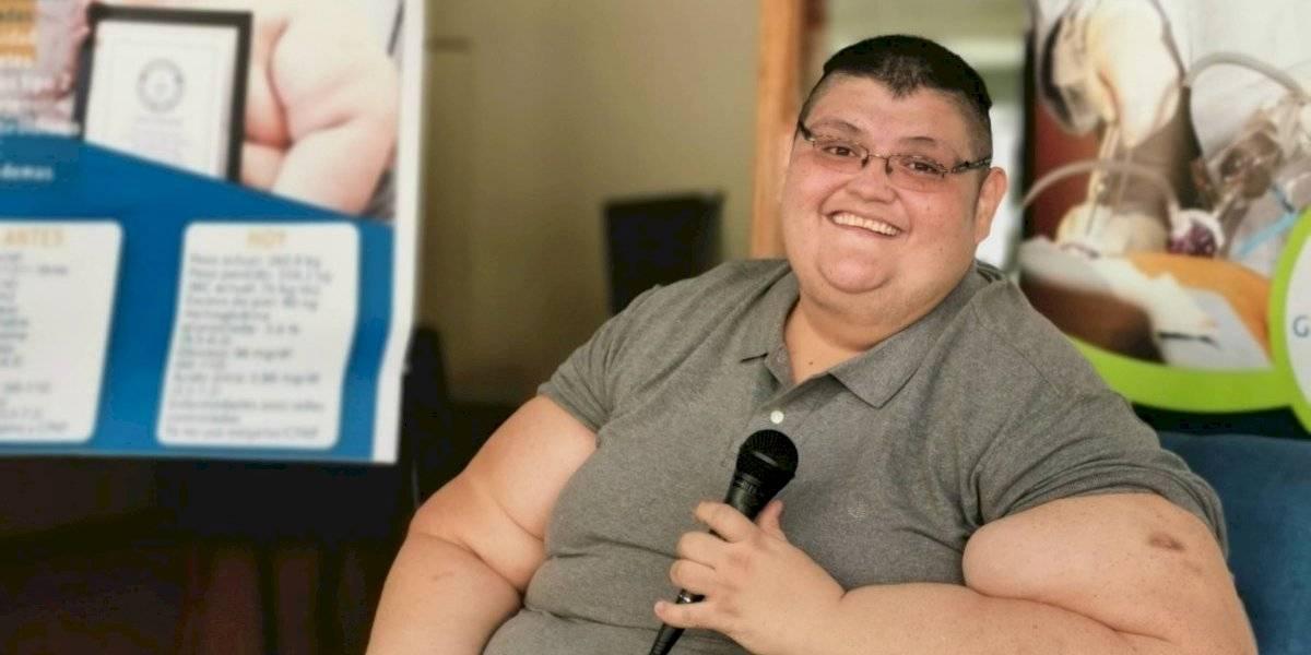 Mexicano celebra la pérdida de 334 kilos: ahora parece fideo porque pesaba 595