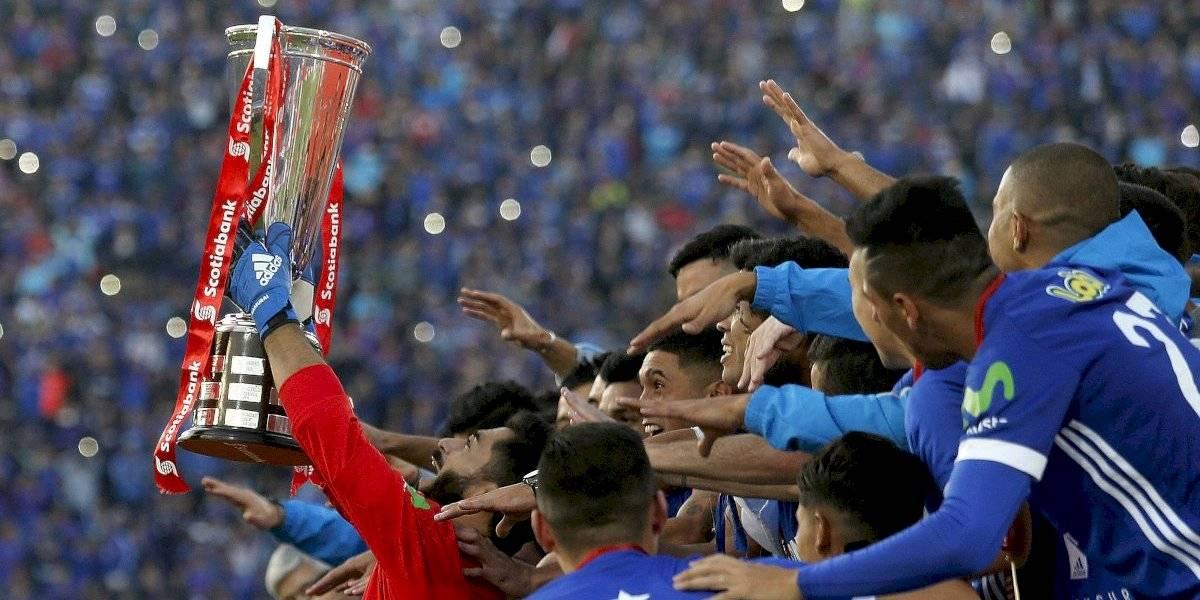 Johnny Herrera se va de la U con el palmarés más ganador en la historia del club azul