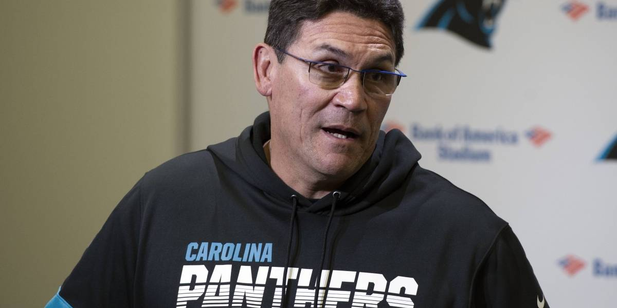 Panthers despiden al entrenador de ascendencia boricua Ron Rivera